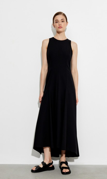 Платье с горловиной «халтер»