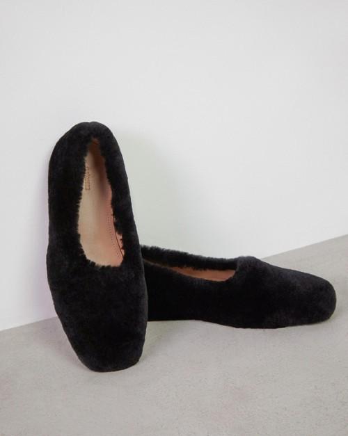 Туфли-лоферы из меха
