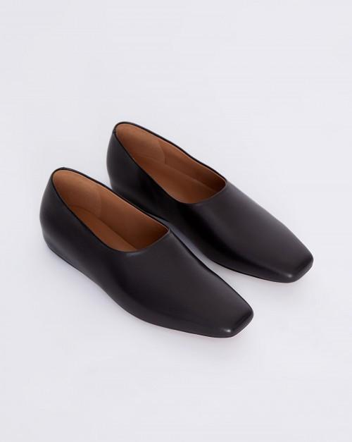 Туфли закрытые с квадратным мысом