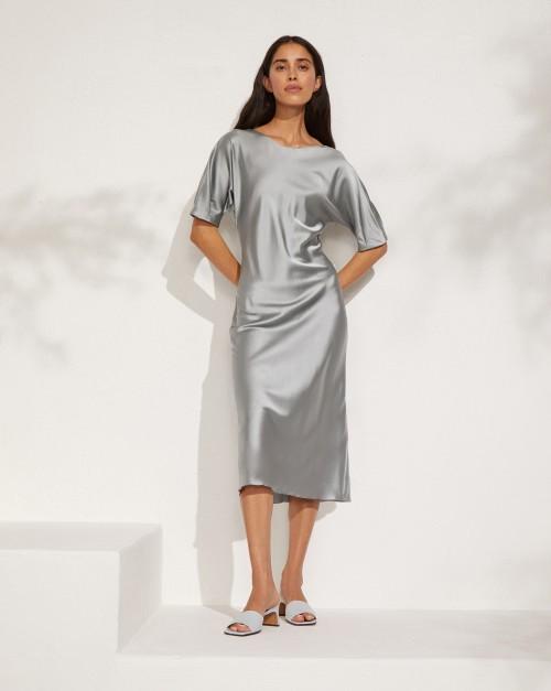Платье приталенное из шелка