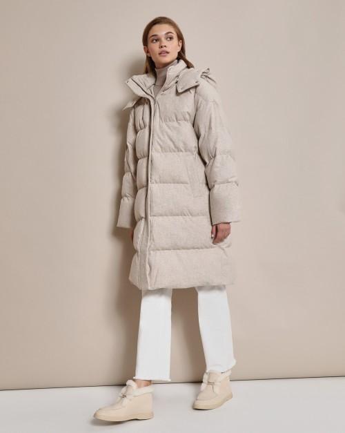 Стеганое пальто из шерсти с капюшоном