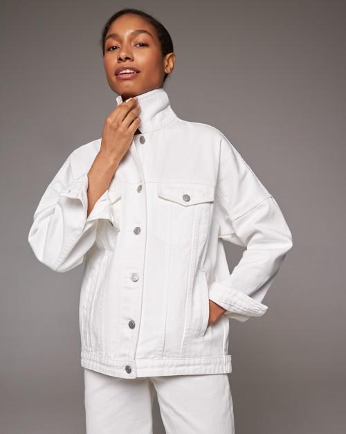Джинсовая куртка объемная