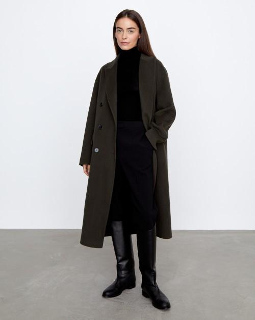 Прямое двубортное пальто