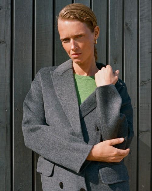 Пальто прямое двубортное