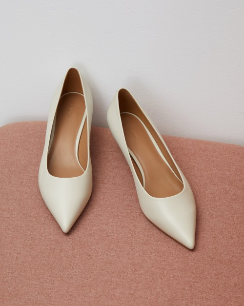 Туфли на скошенном каблуке