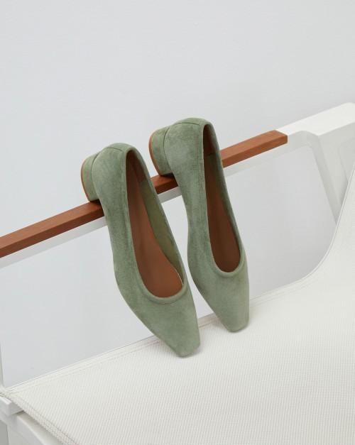 Туфли из мягкой замши