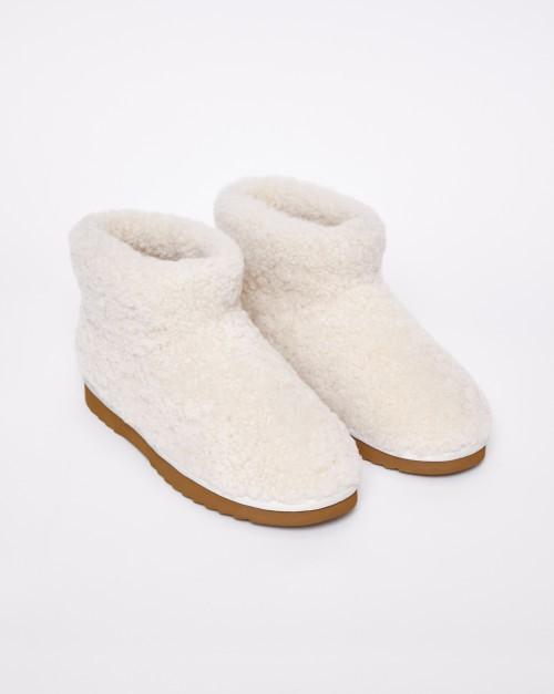 Мягкие ботинки из овчины