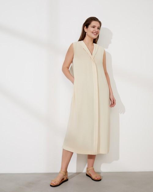 Платье миди без рукавов со шлицей