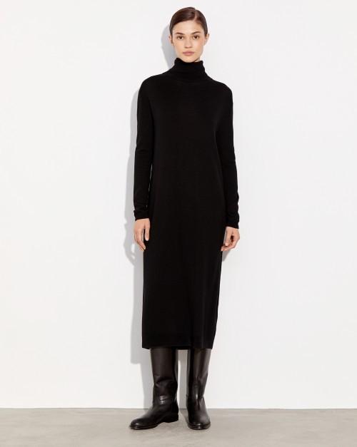 Удлиненное платье-свитер